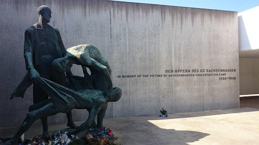 Berlin Experiences - Sachsenhausen Tour - Station Z Statue