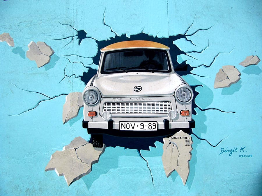 Art on the Berlin Wall - Test The Rest