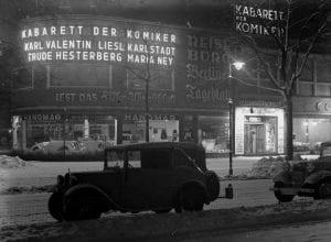 Berlin Experiences - British Victory Parade - Cabaret Kudamm