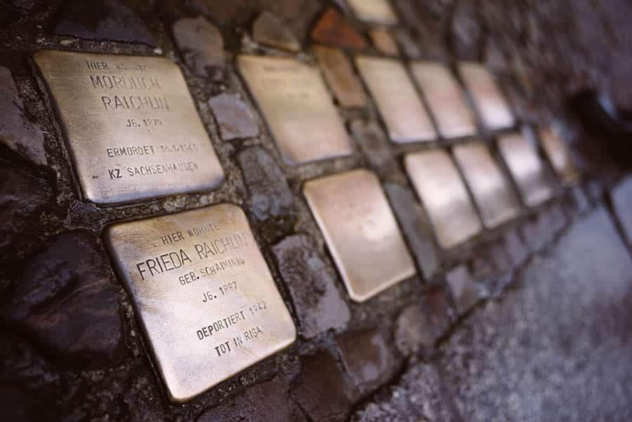 Berlin Experiences - Stolpersteine - Personalising The Void