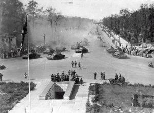 Berlin Experiences - Soviet Tanks In Berlin