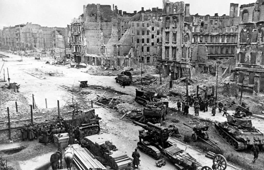 Armored vehicles and artillery of the 1st Belorussian Front on Berlin street