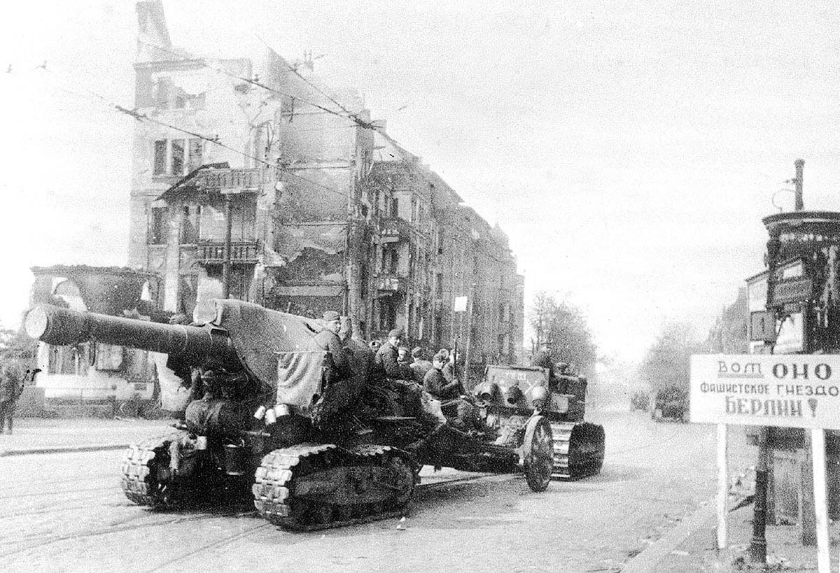Bringing the heavy guns of Fifth Shock Army's Breakthrough Artillery Division-THISISTHEFASCISTNESTBERLIN