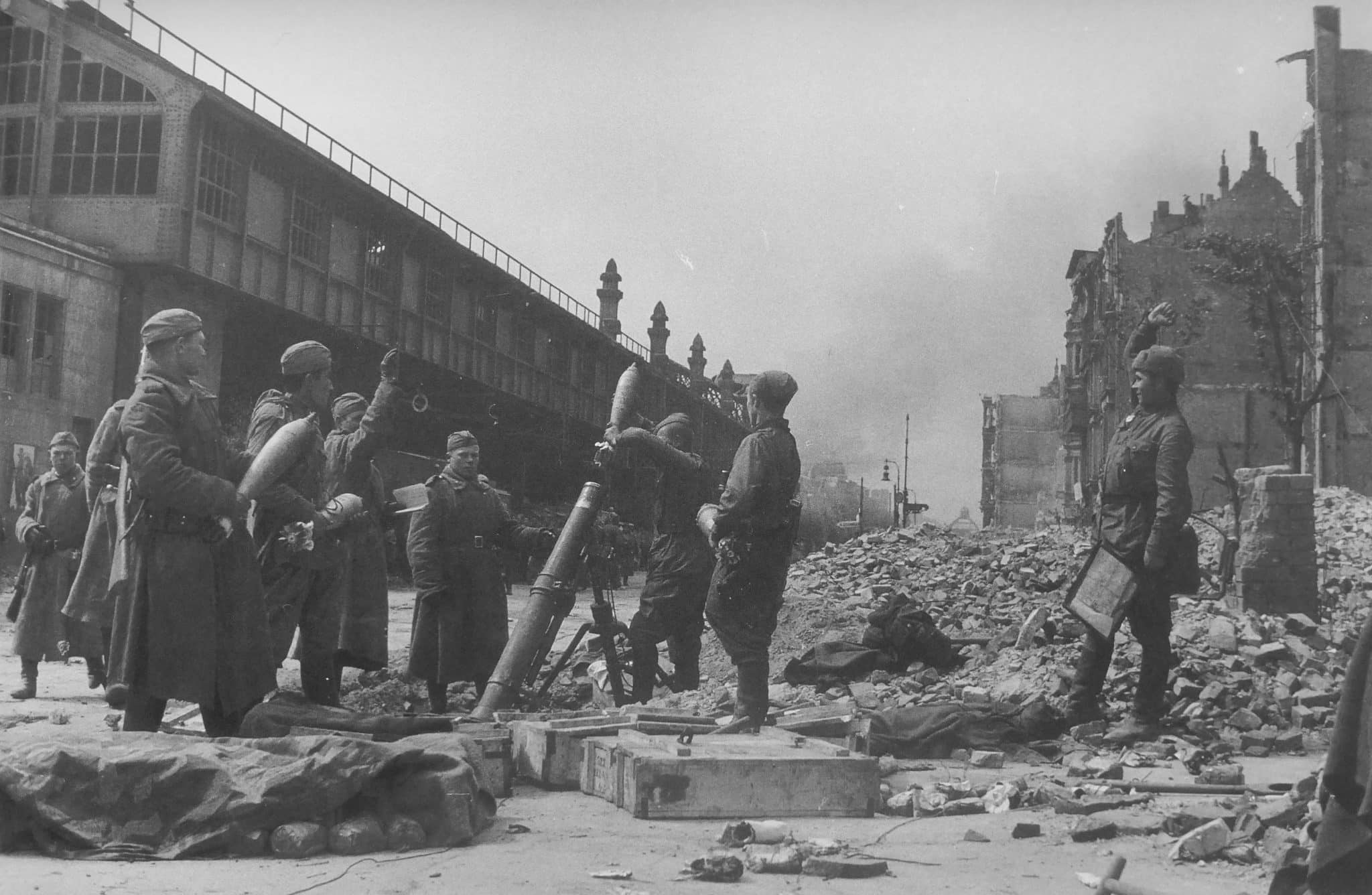 The calculation of the Soviet mortar PM-43 fires at the metro station Bulowstrasse in Berlin
