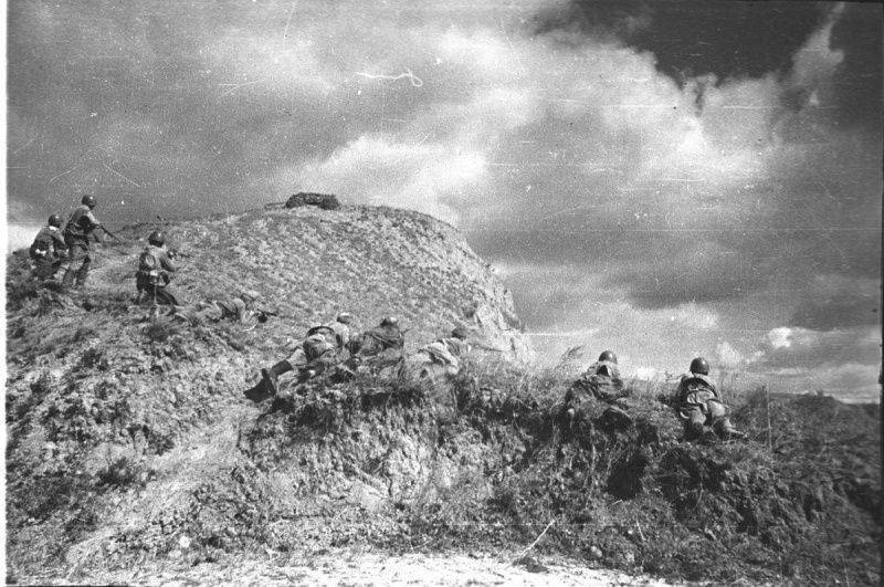 Soviet troops reenacting an attack on German positions
