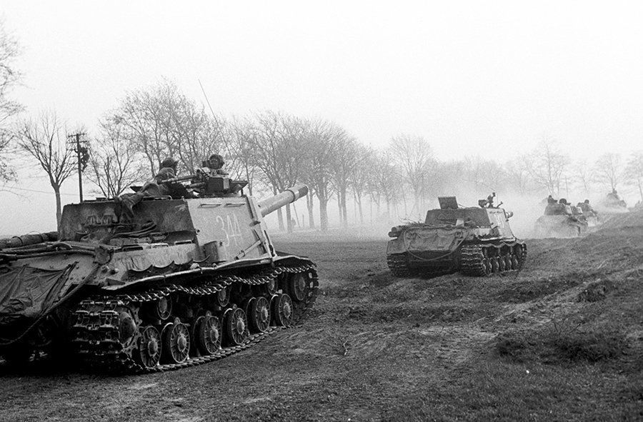 Soviet Tanks at Seelow Heights