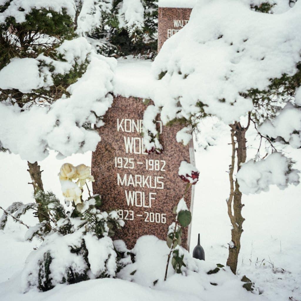 Markus Wolf and Konrad Wolf buried in the Socialist Cemetery in Friedrichsfelde