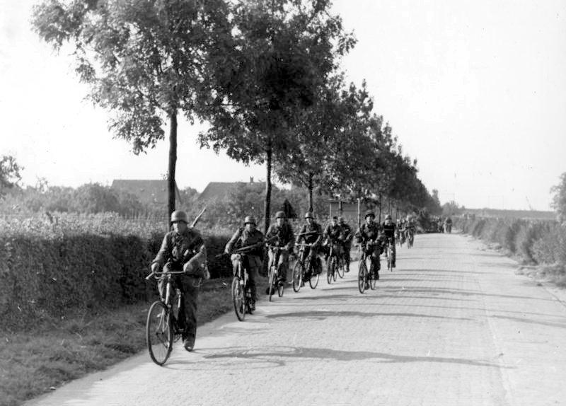 Nazi bicycle infantry