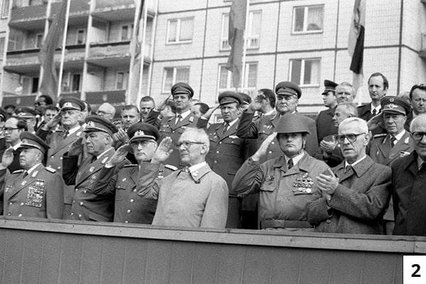 Berlin, 25. Jahrestag zur Errichtung der Mauer/Bundesarchiv, Bild 183-1986-0813-054 / Mittelstädt, Rainer / CC-BY-SA 3.0