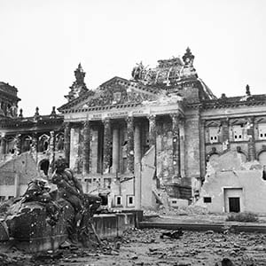 Capital Of Tyranny - The Rise And Fall Of The Third Reich