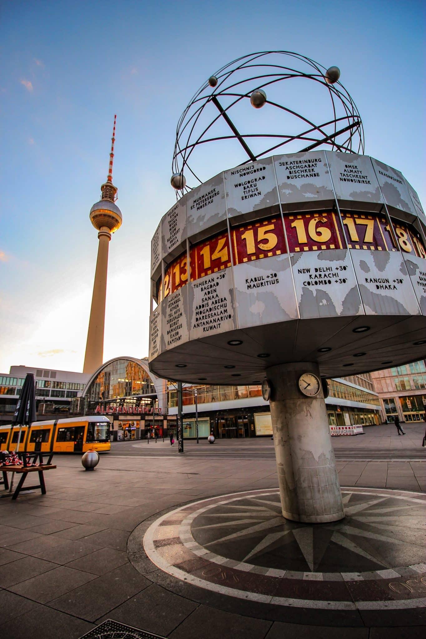 The Berlin Quiz - Weltzeituhr