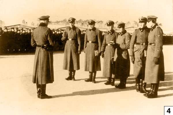 SS Unterfuhrer at the Appellplatz/Bundesarchiv, Bild 183-78612-0010 / CC-BY-SA 3.0