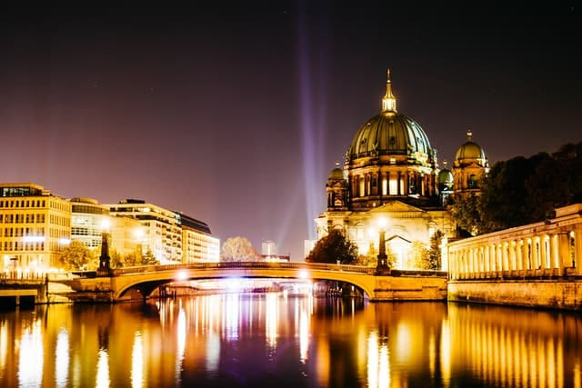 The Berlin Quiz - River Spree