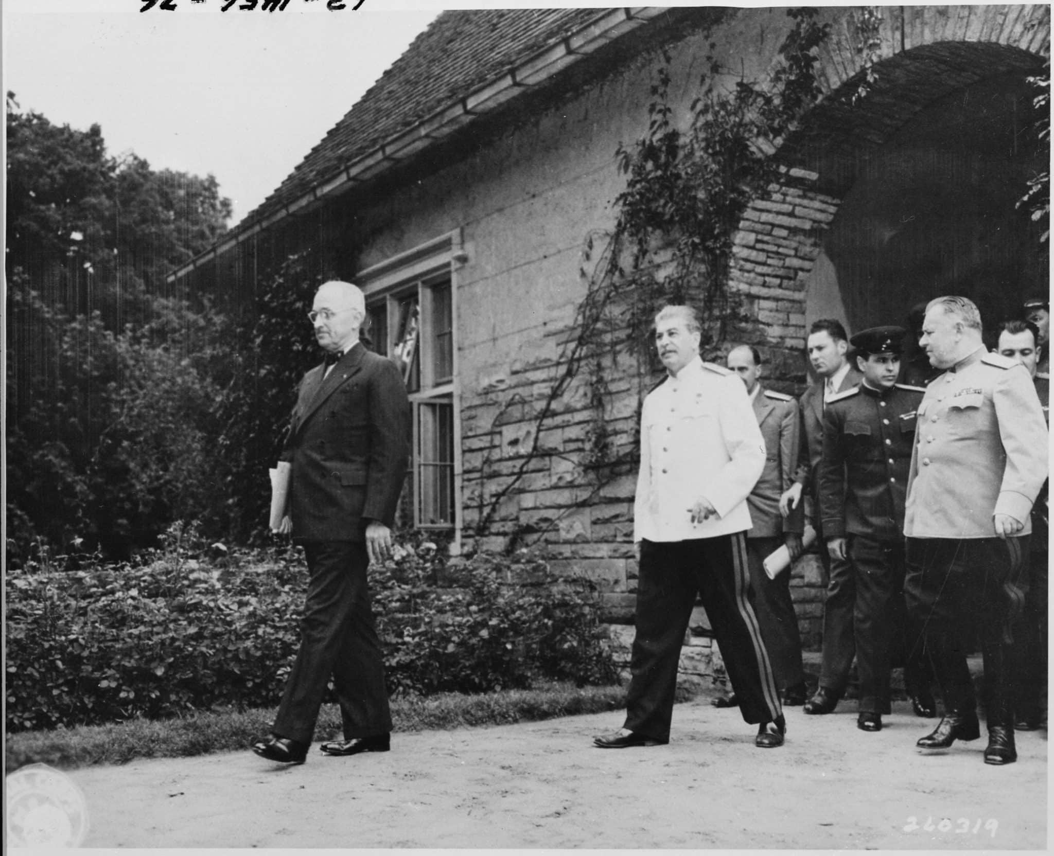 The Potsdam Conference - August 2nd 1945 - Truman and Stalin leave Schloss Cecilienhof and the Potsdam Conference for a final time