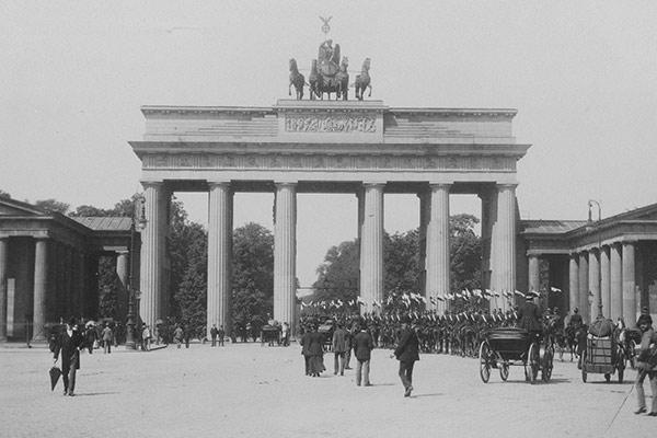 Berlin Experiences - Best of Berlin Tour - Brandenburg Gate
